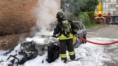 Strà, auto si incendia per strada: nessun ferito - Televenezia