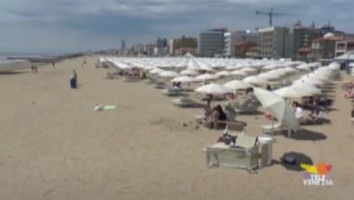 Spiagge prese d'assalto per il 2 giugno: lunghe code