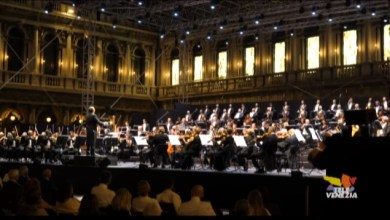 Photo of Il Coro e l'Orchestra del Teatro La Fenice in Piazza San Marco