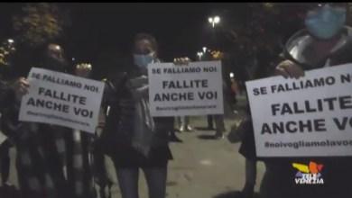 DPCM: anche a Jesolo la protesta. In piazza 400 cittadini