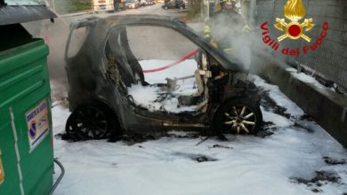 Spinea, auto prende fuoco: intervenuti i vigili del fuoco