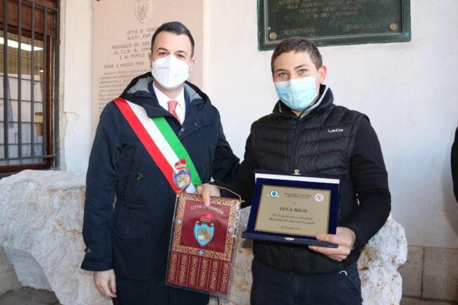 Premiato Luca Rigo: salvò due naufraghi a San marco