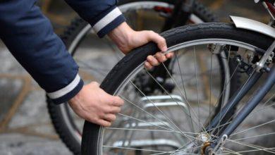 Ruba una bicicletta, arrestato dalle volanti all'alba