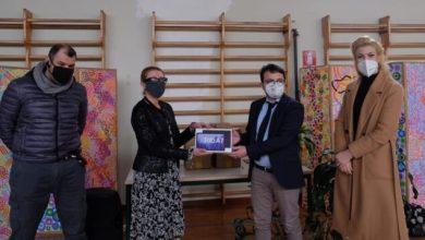 Didattica a distanza: consegnati 30 tablet alla scuola Leopardi - Televenezia