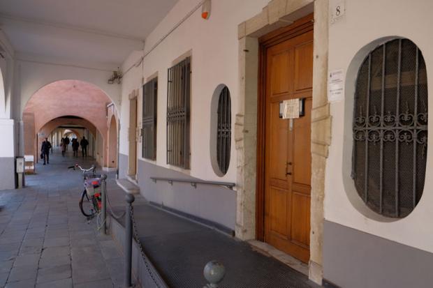 Chiede la residenza con documenti falsi: arrestato all'Anagrafe di Mestre