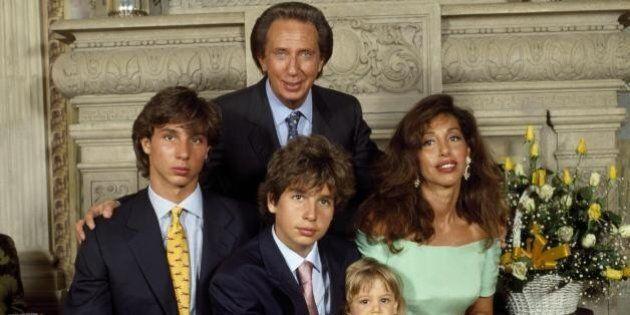 """La moglie di Mike Bongiorno: """"Ha protetto suo figlio a Stresa"""""""