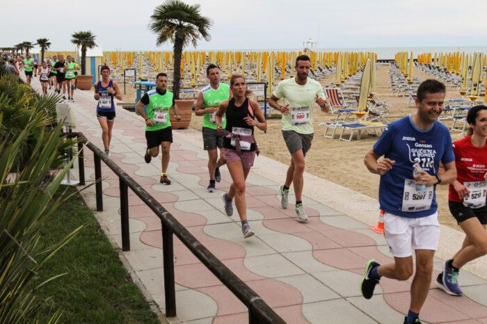 Jesolo Moonlight Half Marathon compie 10 anni!- TeleVenezia