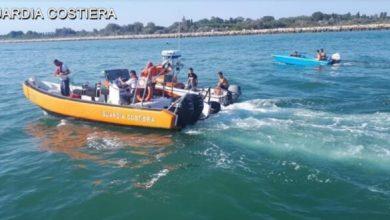 Venezia, falla nella barca: salvati due naufraghi