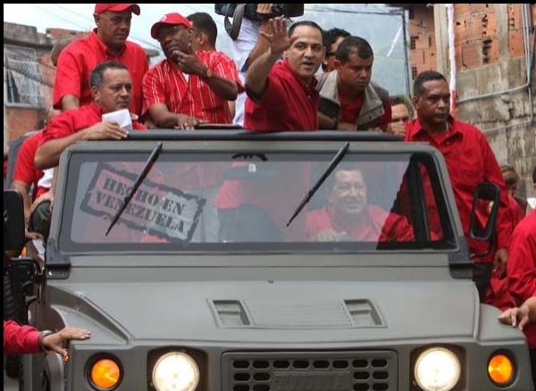 チャベス大統領とチャコン市長候補