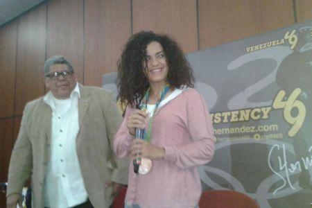 """Stefany Hernández: """"El país necesita estas alegrías"""""""