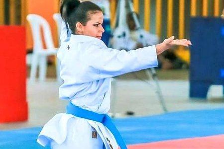 Karateca Elaine Martínez al Open de París