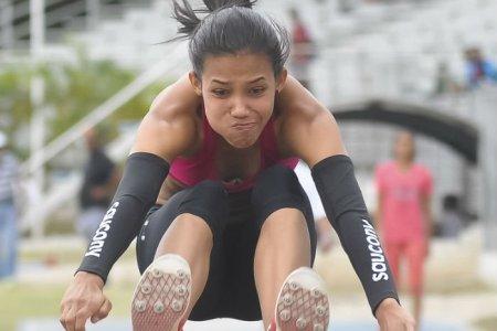 María Parra salta hasta Kenia