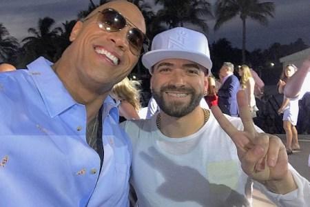 """""""Nacho"""" compartió con """"La Roca"""" y Zac Efron en el estreno de Baywatch"""