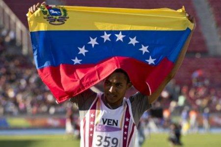 Venezolano Eure Yánez se colgó el oro en el salto alto con récord incluido
