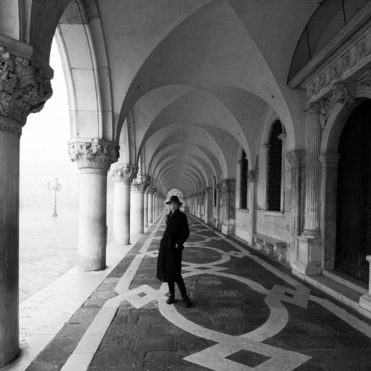 Laure a Belgian photographer in Venice