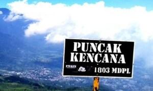Puncak Gunung Kencana Bogor