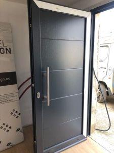 Instalación puerta entrada Artajona 2