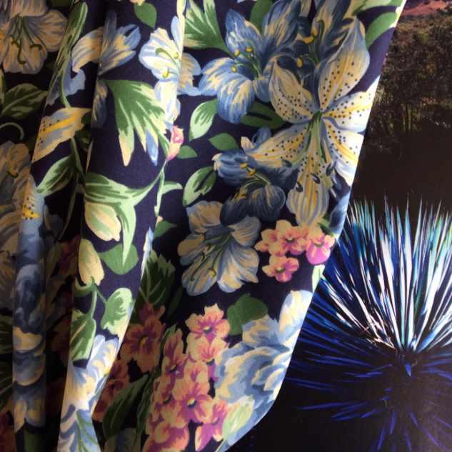 tissu imprime tissu coton fleuri lys