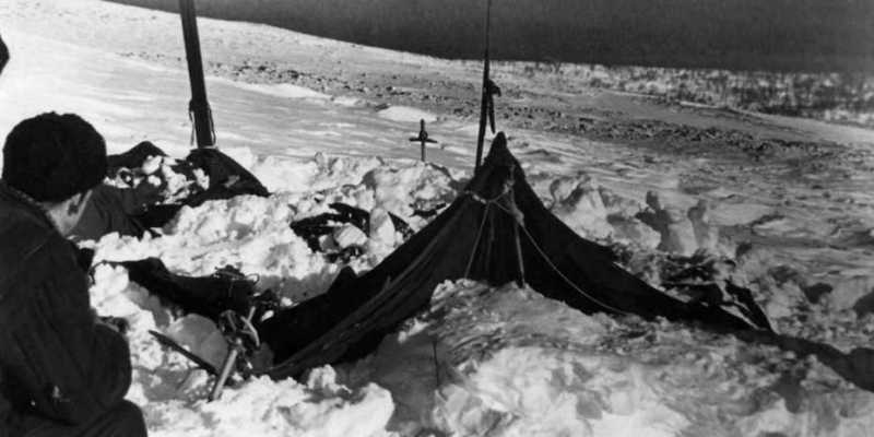 passo dyatlov frozen tenda