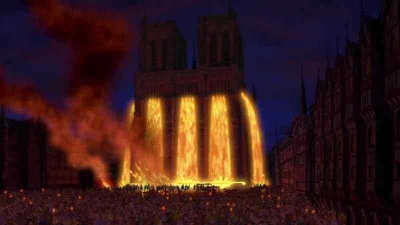 Notre-Dame incandescente - Il gobbo di Noptre Dame