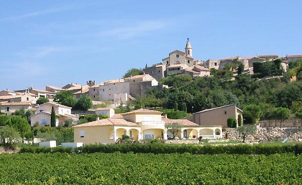 Crillon Le Brave Village Du Mont Ventoux