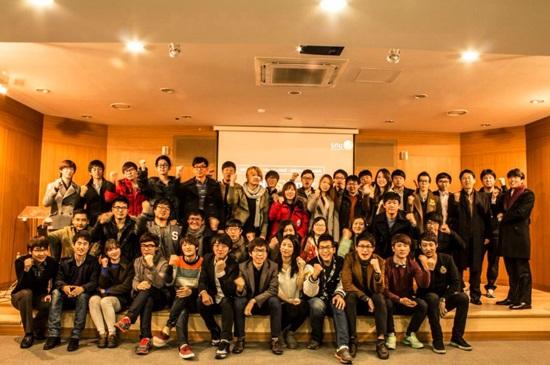 서울대학교 학생 벤처 네트워크 학생들