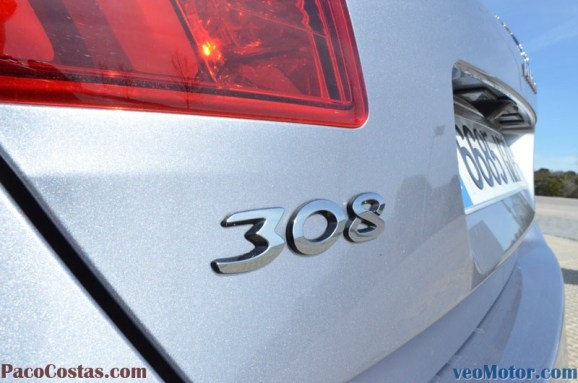 Peugeot 308 Allure 1.2 PureTech 110cv (33)