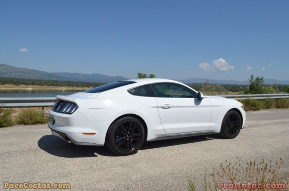 Ford Mustang 3.3 EcoBoost Fastback (8)