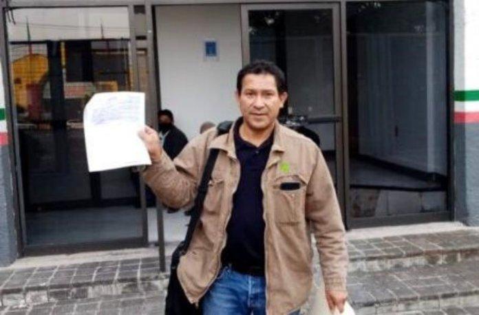 Se entregó la Toma de Nota original al Líder Ricardo Uribe, que lo acredita como Secretario General de la Sección 20 del Gremio Azucarero del Ingenio La Gloria, en el municipio de Úrsulo Galván.