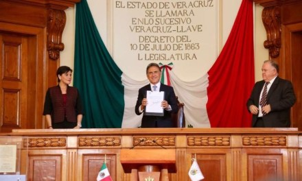 El Gobernador Yunes promulgó la reforma constitucional en materia de combate a la corrupción