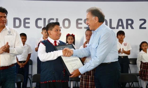 2 millones 350 mil estudiantes regresan a clases en Veracruz: Gobernador Yunes
