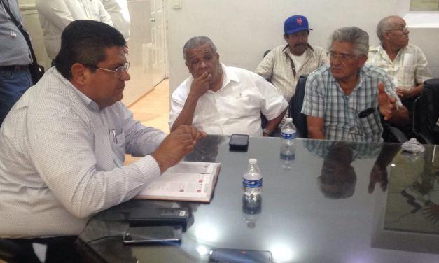 Se reúne el alcalde Antonio Aguilar Mancha con vecinos de la ampliación Enrique Rodríguez Cano