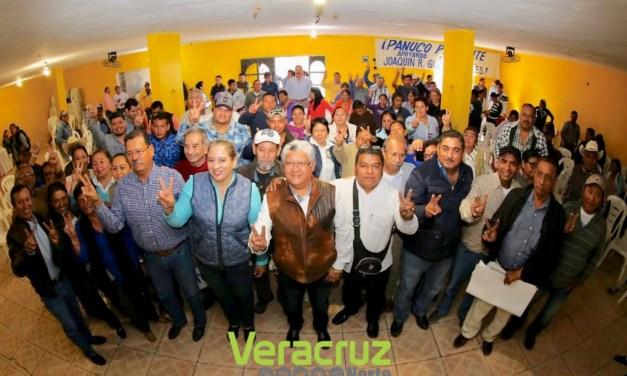 Promete Joaquín Guzmán menos trabajo de escritorio y más cercanía con militancia