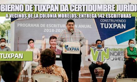 GOBIERNO DE TUXPAN DA CERTIDUMBRE JURÍDICA A VECINOS DE LA COLONIA MORELOS; ENTREGA 142 ESCRITURAS