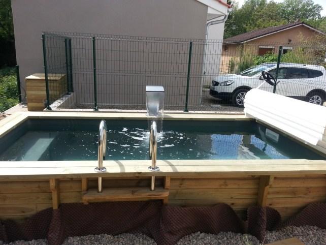 Mini piscine avec options securite et détente