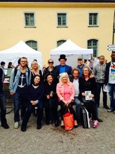 Fina verdandister i Almedalen för att sprida budskap om en utvecklad gemenskap och solidaritet i samhället.