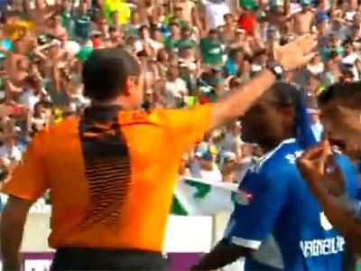Carlos Simon rouba o Palmeiras no Maracanã
