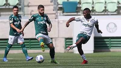Willian, Zé Rafael e Patrick de Paula em jogo-treino do Palmeiras no Allianz Parque.