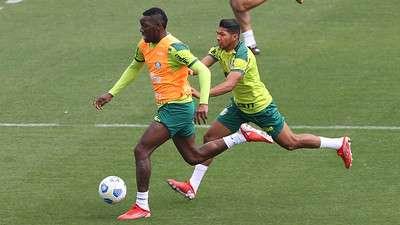 Patrick de Paula e Rony em treino do Palmeiras na Academia de Futebol.