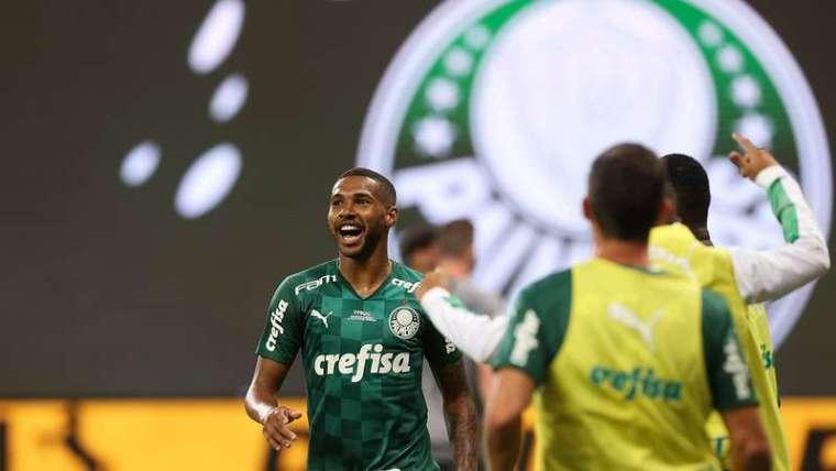 Wesley comemora seu gol pelo Palmeiras contra o Grêmio, na coquista da Copa do Brasil 2020.