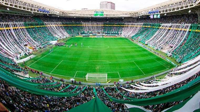 Governo de São Paulo antecipa retorno do público aos estádios! A arena Allianz Parque voltará a ficar lotada pela torcida do Palmeiras.