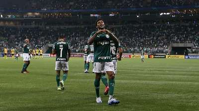 Luiz Adriano comemora um dos seus 3 gols marcados pelo Palmeiras contra o Guaraní-PAR, durante primeira partida válida pela segunda rodada, fase de grupos da Libertadores 2020, no Allianz Parque.