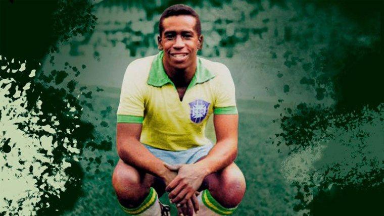 Com três títulos no currículo pelo Palmeiras, Dario atuou entre os 1965 a 1967 no Verdão.