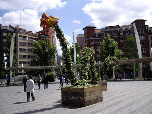 Drac Groc _Bilbao jardín