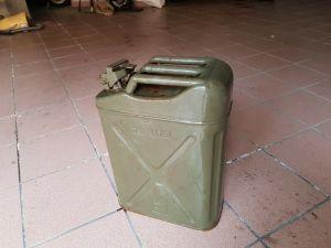tanica militare