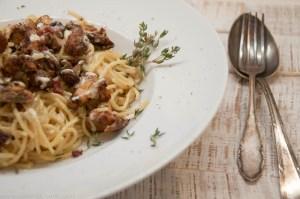Spaghetti-mit-Pfifferlingen-in-Aioli-Sahnesauce