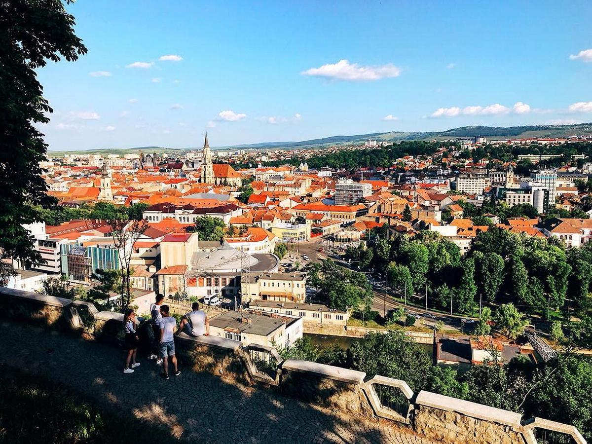 Veridio - Ghidul Tranzactiilor Imobiliare 2020 - Poze Victor Petric