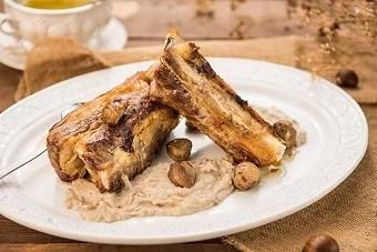 Costelles de vedella amb salsa de castanyes - Veritas