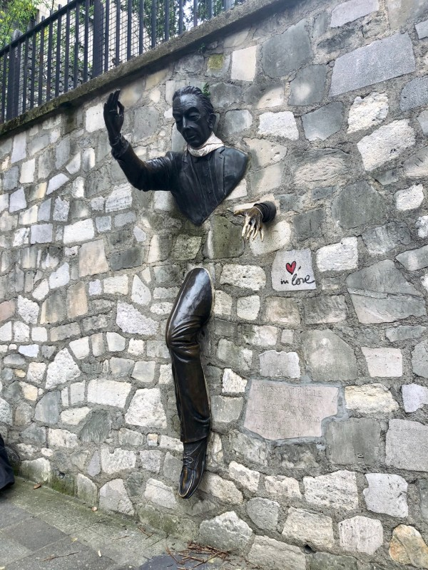 Le Passe-Muraille or The Passer-Through-Walls - Montmartre, Paris - Veritru