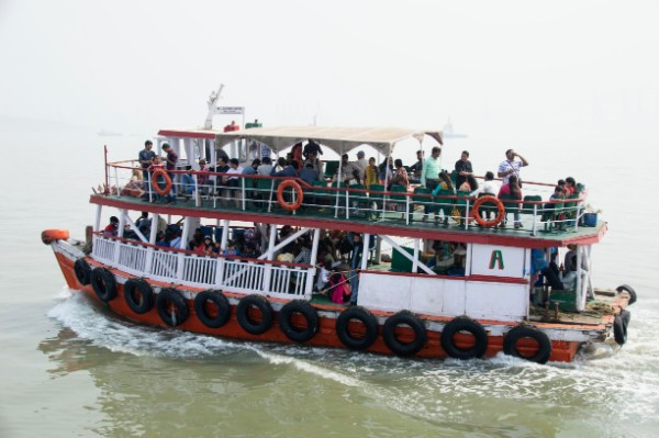 Boat to Elephanta Island - Veritru - Mumbai, India